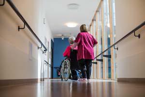 Aides-soignants : réingénierie du diplôme en ordre de marche
